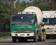 LRC混凝土公司水泥卡车  免版税库存照片