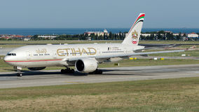 A6-LRC Etihad Airways, Boeing 777-200 fotos de archivo