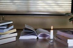 Läs- material Arkivbild