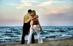 älska promenad för par Fotografering för Bildbyråer