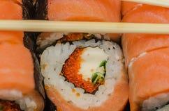 LSushi, еда, рис, продукт, сварило, семги, морепродукты, рыба, японцы, сырцовые, крен Стоковые Фотографии RF