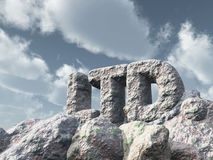 ltd rocha sob o céu nebuloso Fotografia de Stock Royalty Free