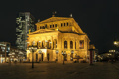 Lte operation på natten i Frankfurt Arkivbilder