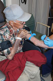 Älterer Mann im Krankenhaus-Raum Lizenzfreies Stockbild