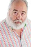 Älterer Mann mit dem weißen Bart, der oben schaut Stockfotos