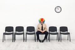 Última posição do homem - conceito de espera Imagem de Stock
