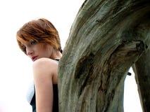 lättretligt posera för modemodell Royaltyfri Foto