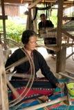 Lua少数转动卷轴的小山部落由在T的竹子制成 免版税图库摄影