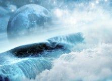 Lua azul e ondas Foto de Stock Royalty Free
