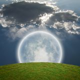 Lua brilhante gigante Foto de Stock Royalty Free