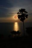 Lua cheia com reflexão Imagem de Stock Royalty Free