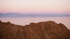 Lua cheia e Mar Vermelho vídeos de arquivo