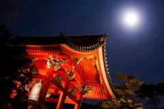 Lua cheia em Kiyomizu-dera foto de stock royalty free
