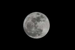 Lua cheia sobre o céu do preto escuro na noite de Tailândia Foto de Stock Royalty Free