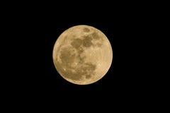 Lua cheia sobre o céu do preto escuro na noite de Tailândia Imagem de Stock Royalty Free