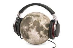 Lua com fones de ouvido, rendição 3D Ilustração Royalty Free