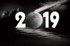 Lua e cometa do ano novo 2019 Imagens de Stock Royalty Free