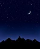 Lua e estrelas da montanha Fotos de Stock Royalty Free