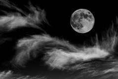 Lua e nuvens Fotos de Stock