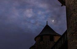 A lua e o castelo Fotos de Stock Royalty Free