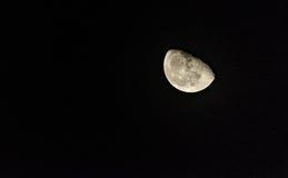 Lua meio cheia foto de stock