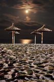 Lua na noite do mar Fotografia de Stock Royalty Free