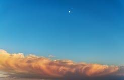 Lua no céu Fotografia de Stock Royalty Free