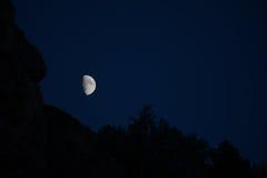 A lua sobre o desfiladeiro Imagens de Stock Royalty Free