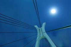 Lua sobre a ponte Imagens de Stock