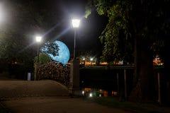 A lua tem o segredo Fotografia de Stock Royalty Free