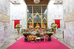 Luang Pho Chaem monument på Wat Chalong i Phuket Thailand royaltyfria bilder