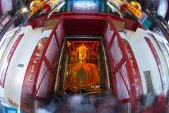 Luang Pho Tho在Wat Phanan Choeng,阿尤特拉利夫雷斯,泰国 免版税图库摄影