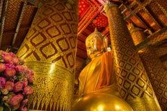 Luang Pho Tho, 19米高菩萨, Wat Phanan Choeng,阿尤特拉利夫雷斯,泰国 图库摄影