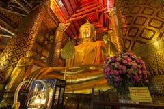 Luang Pho Tho, 19 mede a Buda alta, Wat Phanan Choeng, Ayutthaya, Tailândia Foto de Stock Royalty Free
