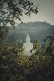 Luang Pora Khao lub biały duży Buddha na Si Siat górze, Wat Theppitak Punnaram, Phaya jen, Pakchong okręg, Nakhon Ratchasima, nor Zdjęcia Royalty Free