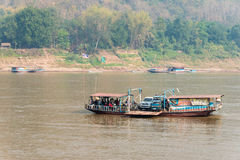 Luang Prabang, Λάος - 5 Μαρτίου 2015: Ποταμός Μεκόνγκ σε Luang Prabang Στοκ Φωτογραφίες
