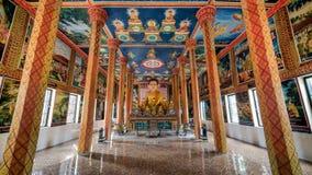 Luang Prabang, Laos - December 3, 2015: Het gouden standbeeld van Boedha in Laos stock afbeeldingen