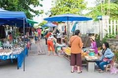 Luang Prabang, Laos - 13 juin 2015 : Marché de matin de Luang Prabang photos stock