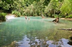 LUANG PRABANG, LAOS - 13 MAI : Kuang Si Falls le 13 mai 2014 Photographie stock libre de droits