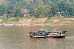 Luang Prabang Laos, Mar 05 2015, -: Mekong rzeka przy Luang Prabang Zdjęcia Stock