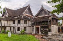 Luang Prabang, Laos - około Sierpień 2015: Domy w Luang Prabang, Laos Obraz Royalty Free