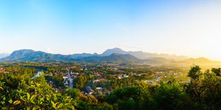 Luang prabang panoramy miasta widok od widoku punktu, Luang prabang ja Fotografia Royalty Free