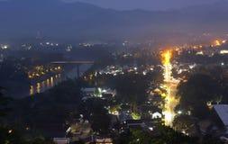 Luang Prabang sobre la opinión del crepúsculo, Laos. Fotografía de archivo libre de regalías