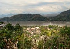 Luang Prabang und der Mekong von Mt Phousi Lizenzfreies Stockfoto