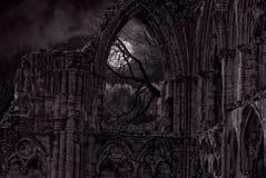 Luar gótico das ruínas fotografia de stock royalty free
