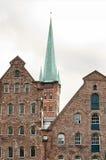 Lubeck ett kyrkligt torn Arkivfoto
