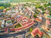 Lublin - landskapet av den gamla staden från luften Dragningar Lublin från luften royaltyfria bilder