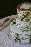Ślubnego torta i porci naczynia Obrazy Stock
