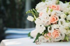 Ślubny kwiatu bukiet Zdjęcia Royalty Free
