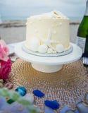 Ślubny tort na stole Obraz Stock
